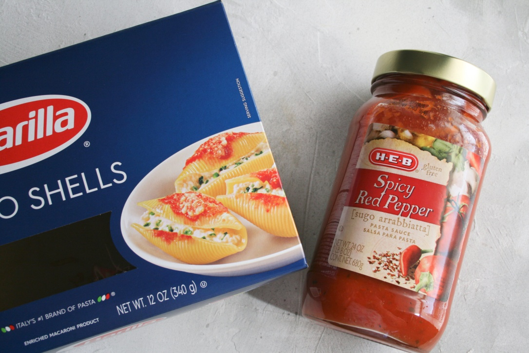Pasta shells and sauce